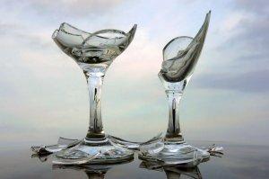broken_glass_by_ahermin-d4jqzx4