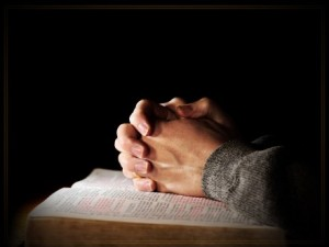 praying_with_bible